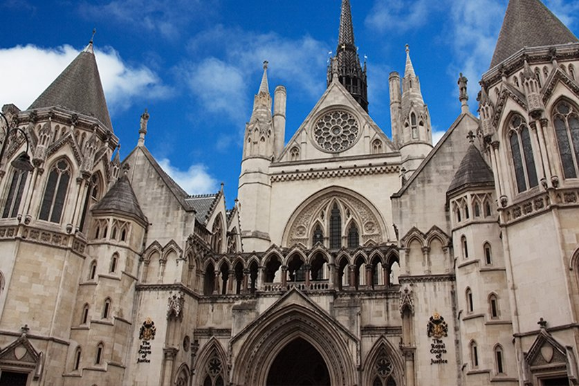 Defend human rights and the power of judicial review